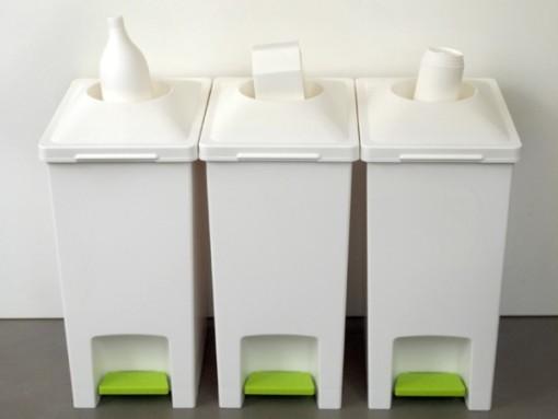 这款国外创意垃圾桶的设计让我们在日常生活中扔垃圾